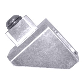 <strong>Kickdown Cable Bracket (Engine Side) - Silver</strong><br /> Suit GM TH700